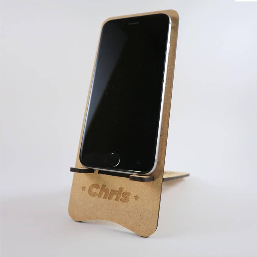 Soporte para móvil hecho en MDF de 3mm.