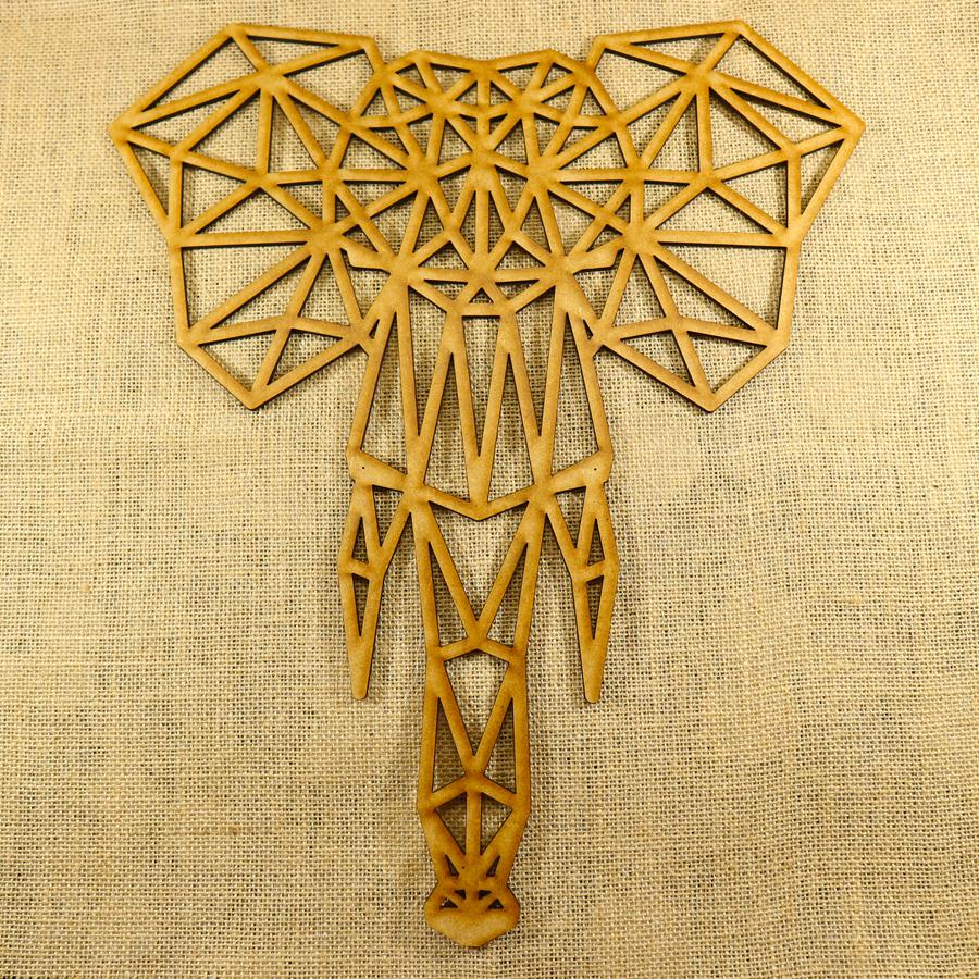 Elefante con forma poligonal cortado con láser en MDF de 3mm de espesor, ideal para decorar una pared o una puerta, se puede pintar y darle el color que más te guste.