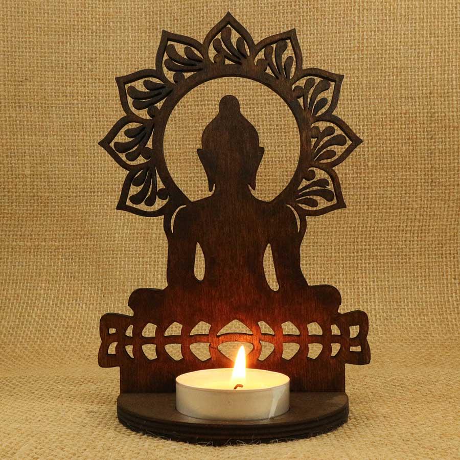 Soporte para vela Buda sobre flor de loto cortado y grabado con láser en madera contrachapada de 5mm y teñida con Betún de Judea.
